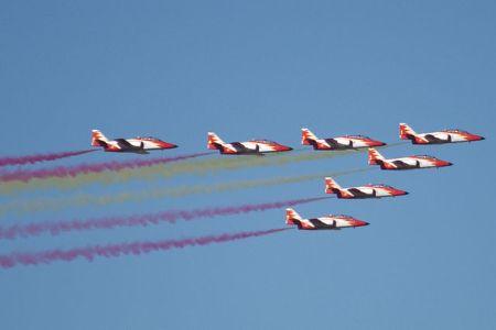 Madrid, 12 de octubre 2009. Patrulla Águila. Autor: Nils van der Burg (Wikimedia Commons)