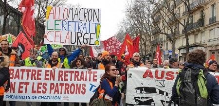 800px-Manif_du_28_décembre_2019_à_Paris_contre_le_projet_de_réforme_des_retraites_(49287867701)